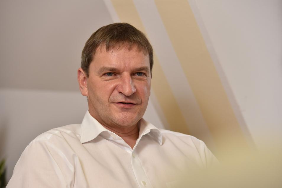 Um die Zukunft des Beigeordneten Peter Antoniewski ging es im Dippser Stadtrat. Es gab Für und Wider, am Ende waren seine Unterstützer zu schwach.