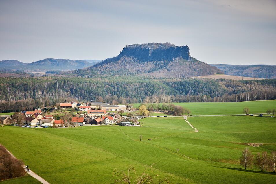Ein schöner Blick in die Sächsische Schweiz wie hier auf den Lilienstein ist den Käufern von Erholungsgärten auch etwas wert, wie die neuen Bodenrichtwerte zeigen.