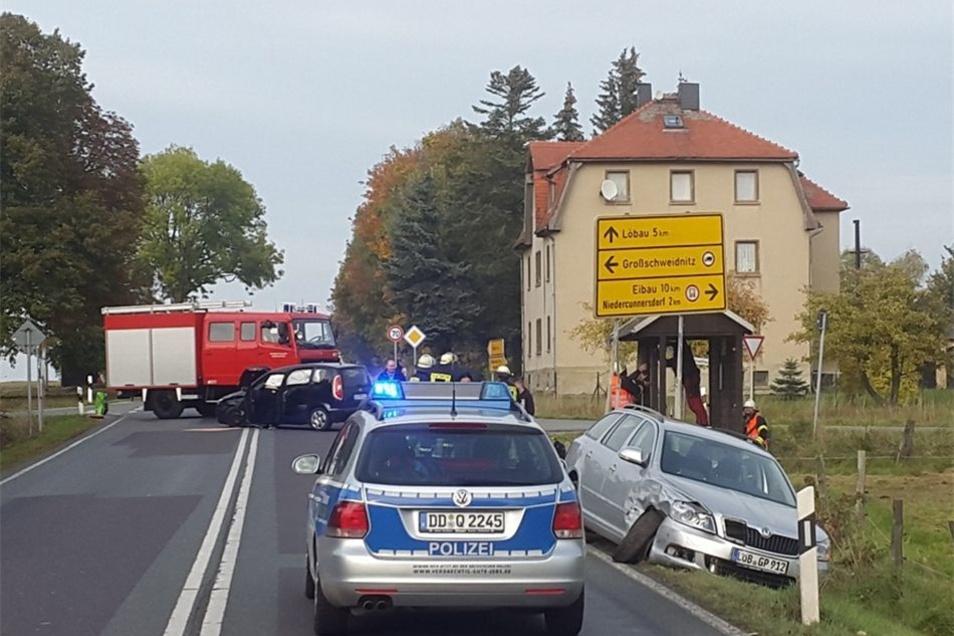 Crash am 22.Oktober am Sachsenfreund bei Großschweidnitz. Solche Unfälle, die oft durch Vorfahrtsfehler entstehen, soll der geplante Kreuzungsumbau vermeiden helfen.