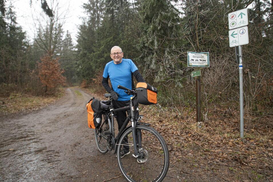 Wolfgang Deißler aus Kamenz ist gern mit dem Rad oder zu Fuß in der Westlausitzer Region unterwegs. Ihm wird die neue Beschilderung der Wege zugutekommen.