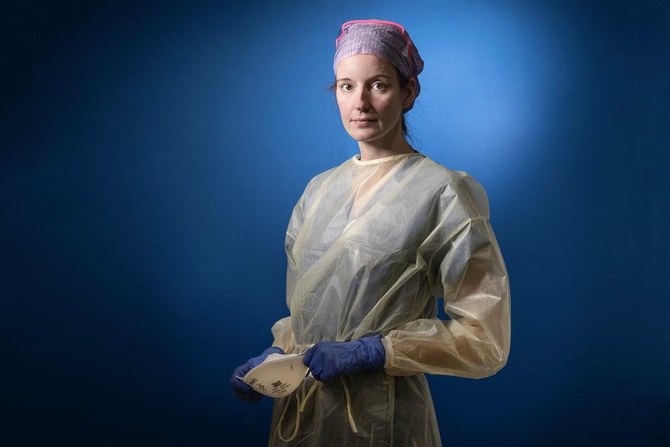 """Michaela Strätz betreut pro Schicht zwei Patienten. Als Intensivpflegerin wird die 35-Jährige gerade täglich mit dem Tod konfrontiert. Nach Feierabend guckt sie gern die Serie """"Charité""""."""