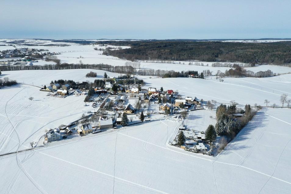 Der Dippser Ortsteil Reinberg ist hier aus der Vogelperspektive zu sehen. Er ist einer der Kältepole in Deutschland, was die dortige Wetterstation regelmäßig dokumentiert.
