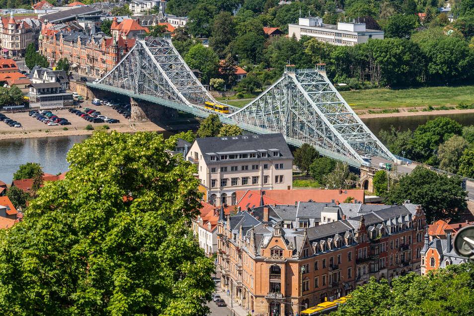 Dresdens Wahrzeichen ist marode, für die Sanierung des Blauen Wunders fehlt Geld.