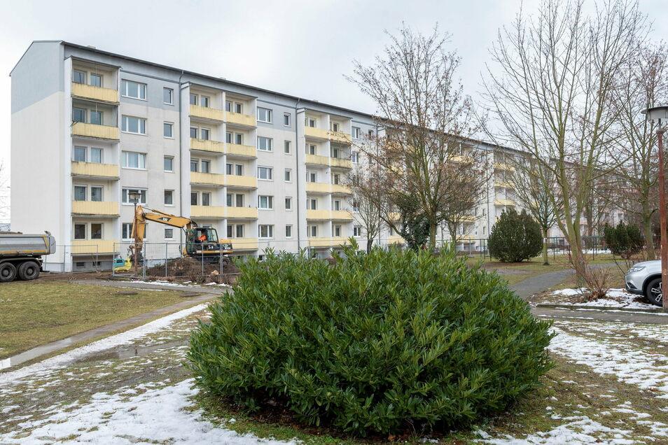 Der Wohnblock an der Dresdner Straße 1 bis 11 im Februar 2021. Sechs Millionen Euro will die WGR hier investieren - in Abriss und Sanierung.