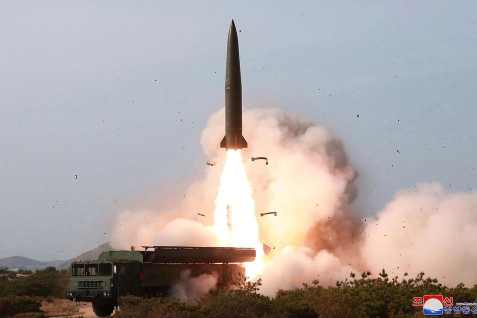 Start einer Rakete an der Ostküste Nordkoreas.