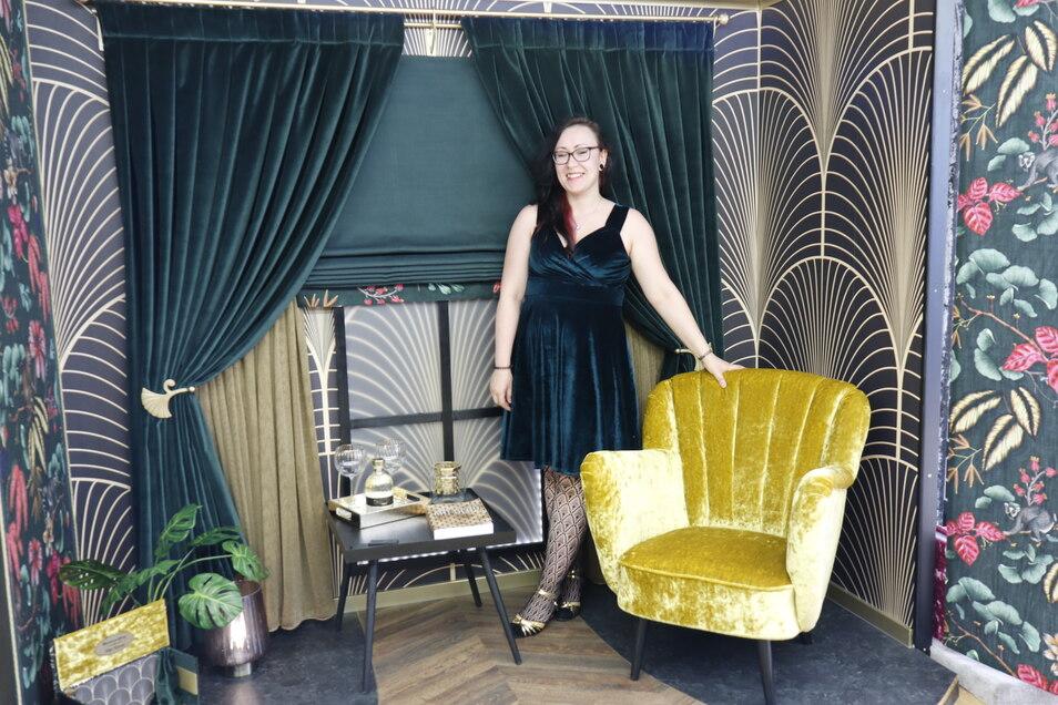 Zu einer Reise in die Vergangenheit lädt Silja Kinast mit ihrer Art Deco Lounge ein.