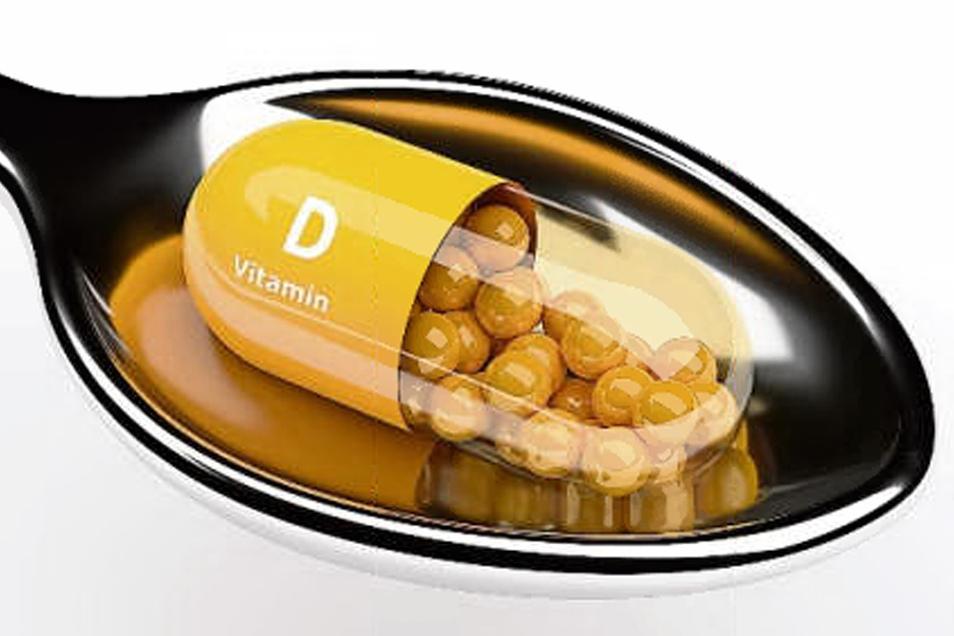 Gerade jetzt im Sommer meist überflüssig: Vitamin-D-Kapseln.