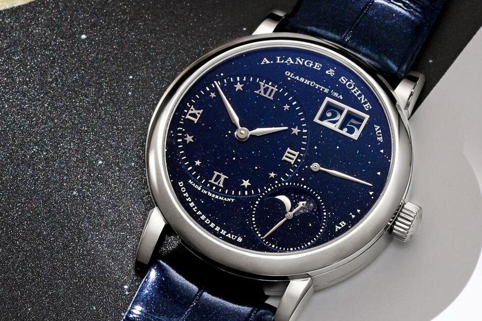 Lange-Modell 1: Die Kleine Lange 1 Mondphase. Das Modell kostet 42.800 Euro, mit Brillantlünette 53.900 Euro.