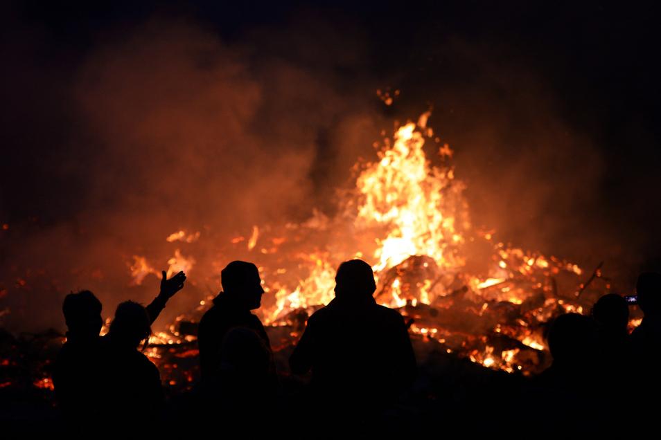 Kein Maifeuer in diesem Jahr in Medingen. Der örtliche Feuerwehr-Verein hat die Veranstaltung abgesagt.