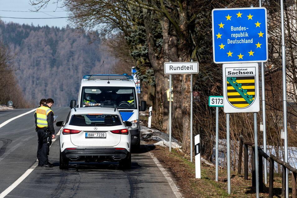 Deutschland verlängert seine Kontrollen an der Grenze zu Tschechien und dem österreichischen Bundesland Tirol bis zum 17. März.