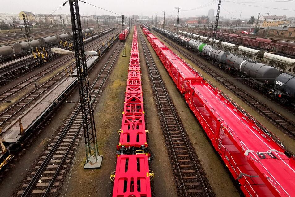Runter von der Straße. Rauf auf die Schiene. Ganz so einfach wird ein Umbau des Schwerlastverkehrs in Sachsen nicht. Dem Meißner Bundestagsbewerber Markus Pohle ist das bewusst.