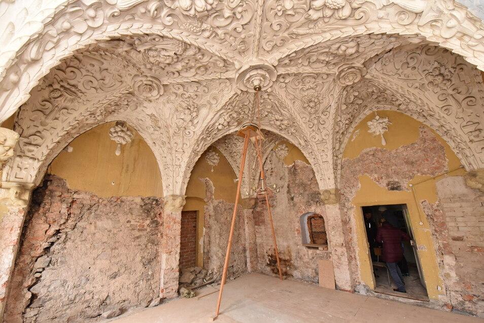 Der Stuckssal im Schlosstorhaus wartet immer noch auf eine Sanierung