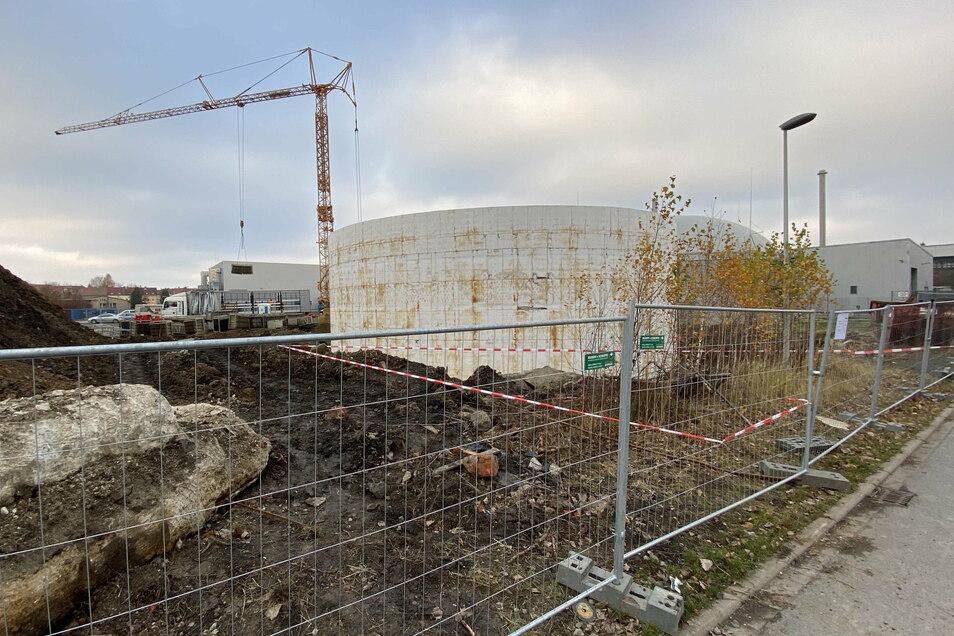 Die Biogasanlage an der Gerhart-Hauptmann-Straße in Zittau wird um einen Rundbehälter erweitert.