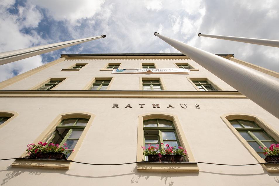 Rathaus Sebnitz: Der Stadtrat muss neu über den Aufsichtsrat der Wobau entscheiden.