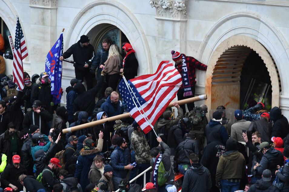 Anfang Januar stürmten Anhänger von US-Präsident Donald Trump das US-Kapitolgebäude.