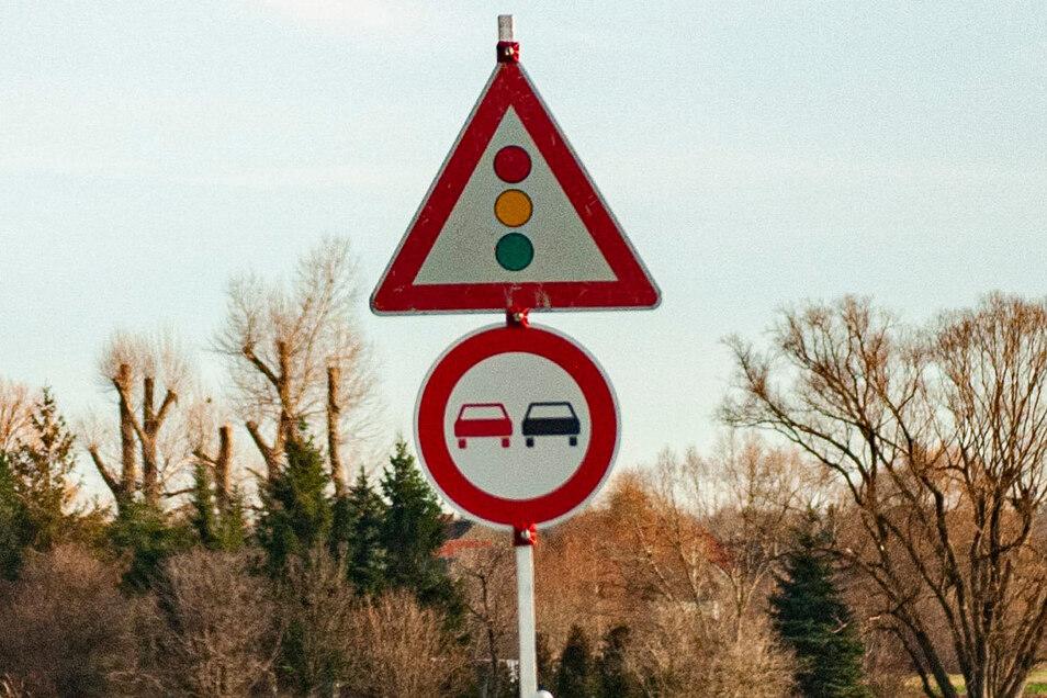 Generelles Überholverbot gilt auf der B 98 zwischen dem Ortsausgang Glaubitz und dem Abzweig Colmnitz.