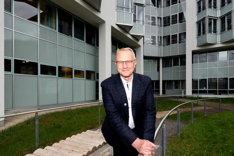 Chefarzt Dr. Jaak Aru leitet die neue geriatrische Abteilung in der Asklepios Sächsische Schweiz Klinik Sebnitz.