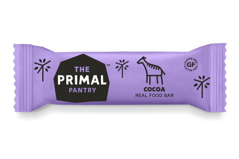Ein Snack in lilafarbener Verpackung des Londoner Herstellers Primal Pantry.