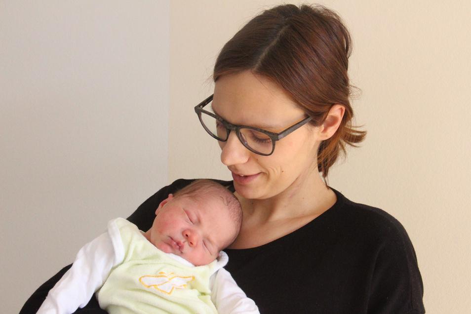 Leonard Geboren am 19. Februar Geburtsort Bautzen Gewicht 3.360 Gramm Größe 50 Zentimeter Eltern Natalie und Clemens Richter Wohnort Gebelzig