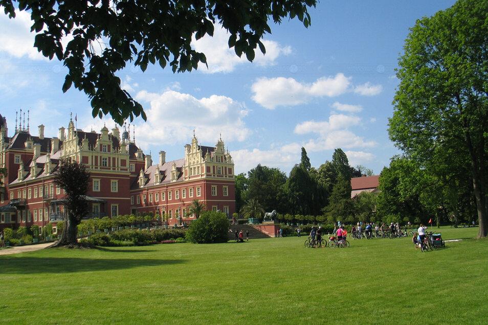 An Fronleichnam waren im Fürst-Pückler-Park so viele Besucher unterwegs wie in den vergangenen zehn Monaten insgesamt nicht.