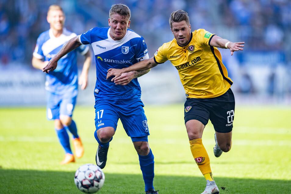Patrick Möschl (re.), hier beim Zweitligaspiel in Magdeburg im Oktober 2018, wird ab sofort in den Farben des Gegners auflaufen.