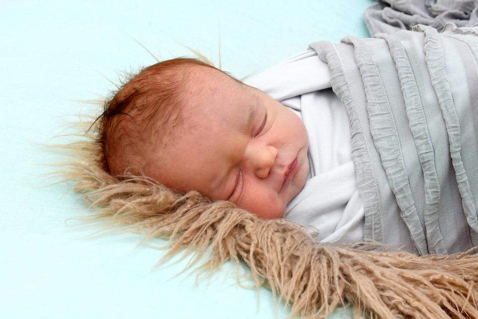 Mia Geboren am 25. Januar Geburtsort Kamenz Gewicht 3.915 Gramm Größe 52 Zentimeter Eltern Lisa und Sergius Kaufmann Wohnort Schönbach