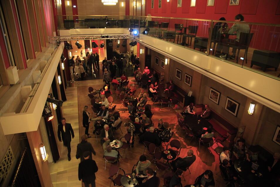 Das Theater in Zittau ist ein Treffpunkt für die Stadt. Das Schauspiel, so empfiehlt es das neue Gutachten, soll mit dem in Bautzen fusionieren.