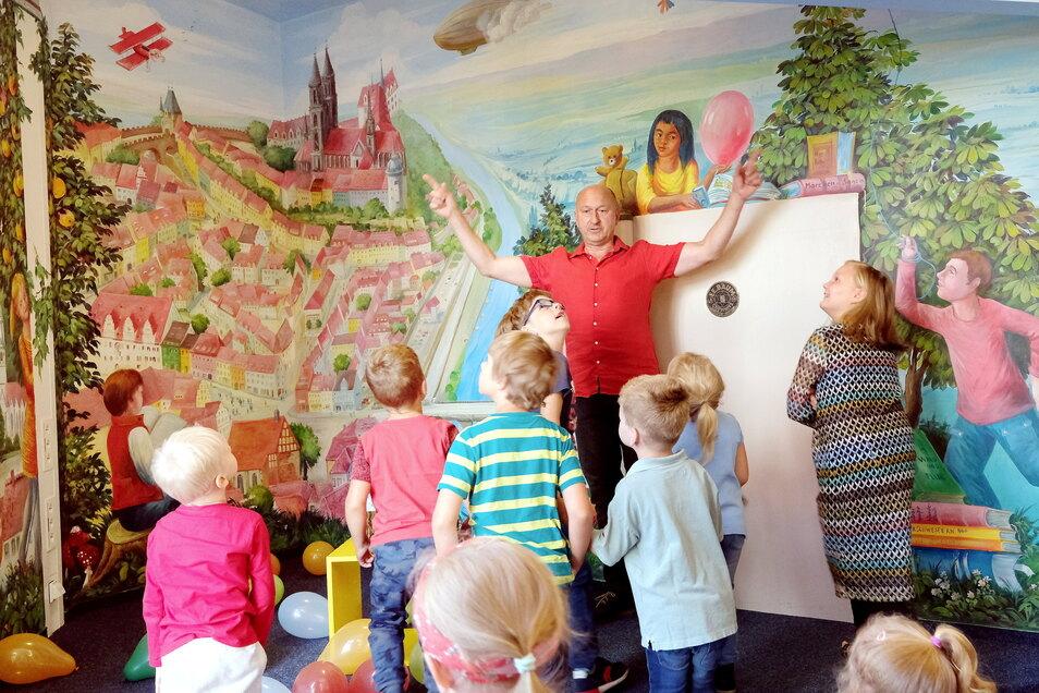 Blick auf Meißen: Der Steffen Mikosch präsentierte jetzt in der Kinderbibliothek sein Werk.