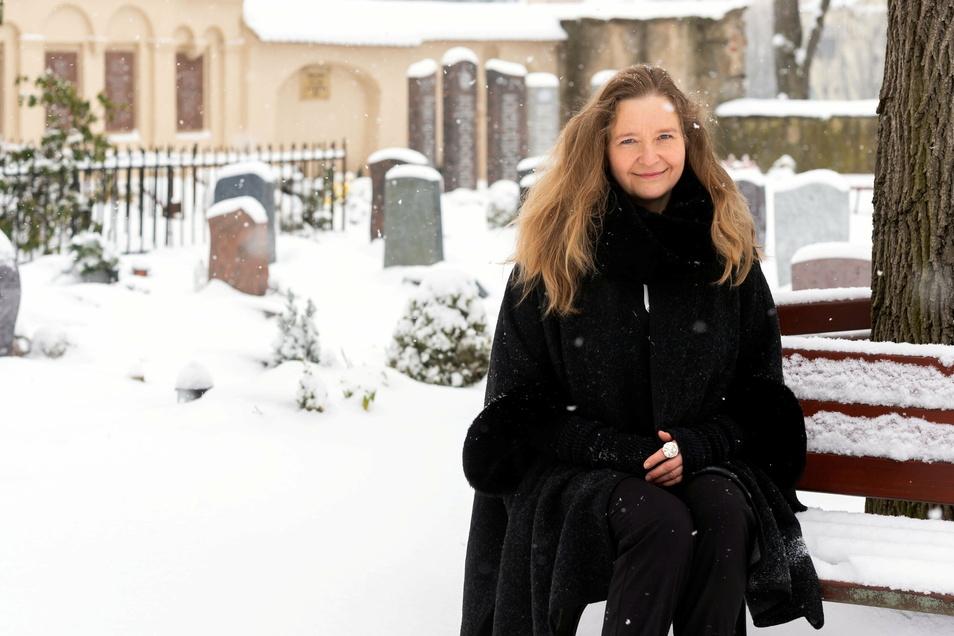 Silke Rogalla ist in Bautzen als Stadtführerin bekannt. Wegen Corona hat sie sich neu orientiert und hält nun Trauerreden.