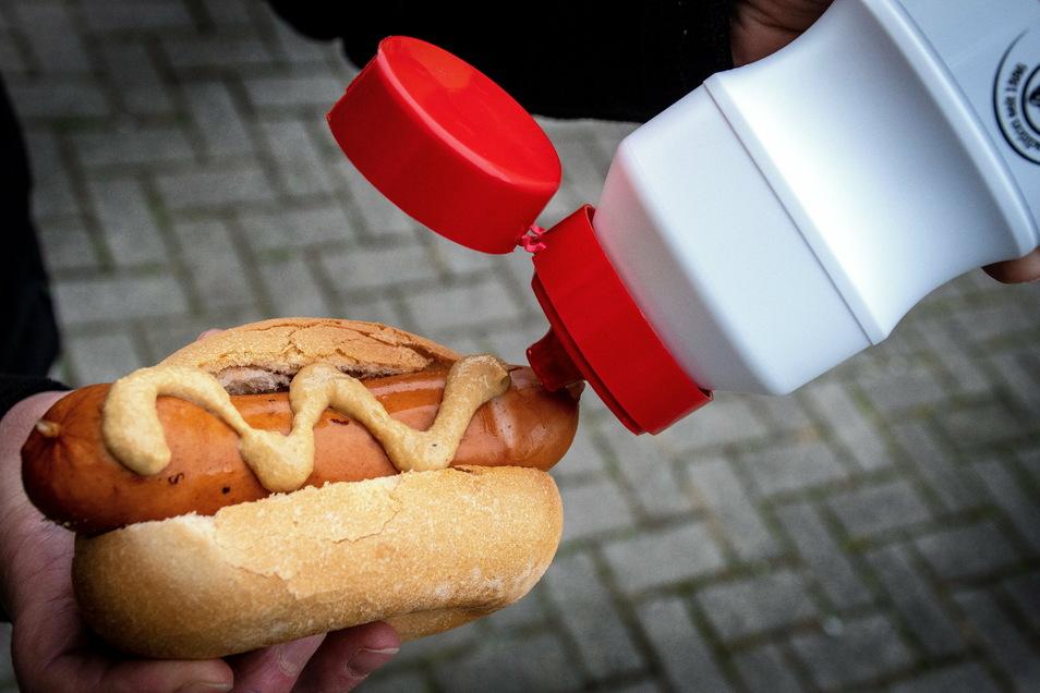 Eine Bockwurst oder eine Bratwurst ohne Marder Senf ist in der Region kaum vorstellbar. Der Senf ist auch ein beliebtes Mitbringsel zu Grillpartys.
