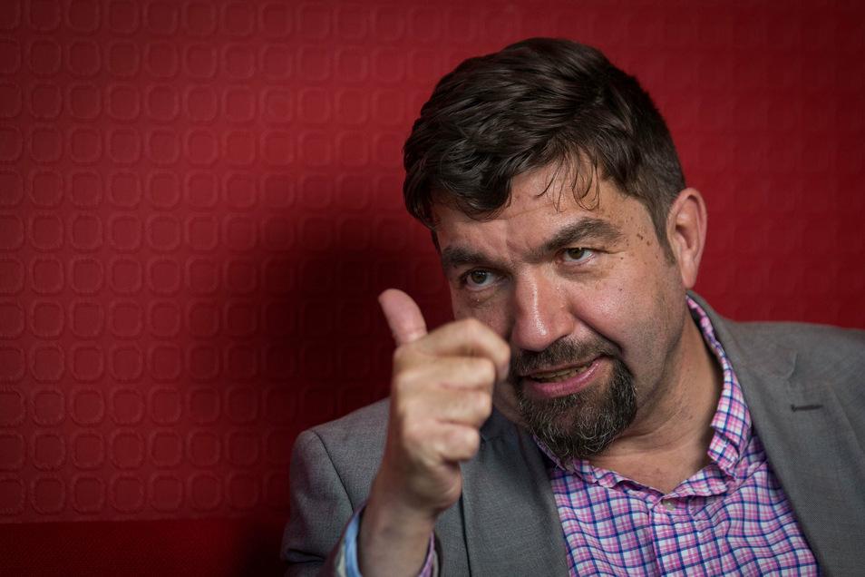 Linke-Parteichef Jens Matthis erklärt im SZ-Interview, dass es Absprachen mit der CDU gibt.