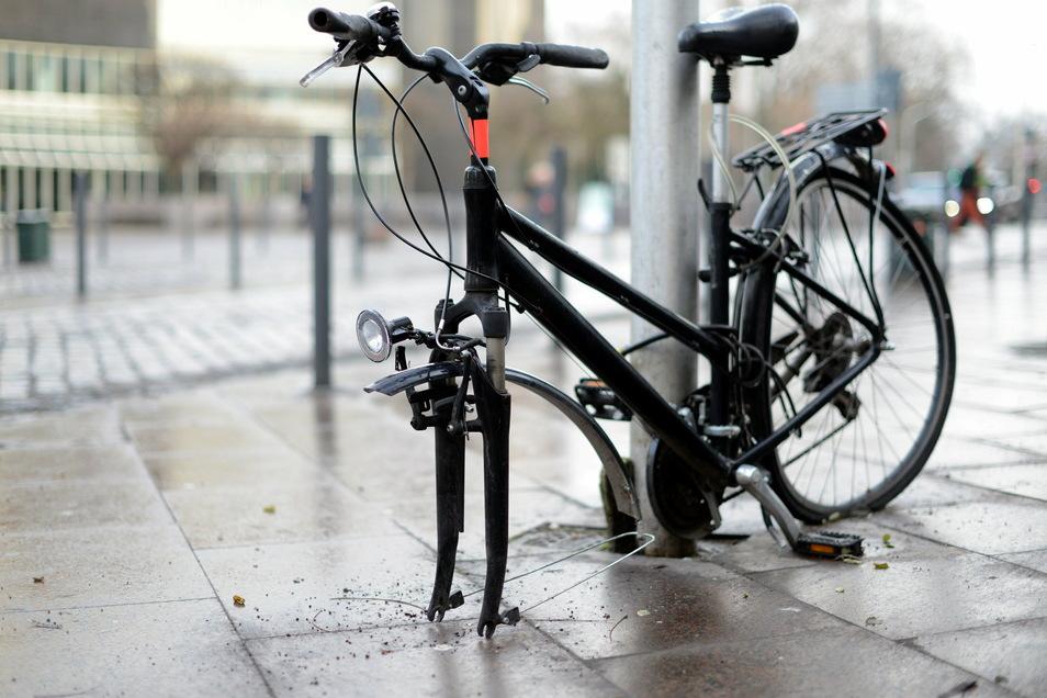 Manche Fahrradversicherungen kommen auch für Vandalismusschäden auf.