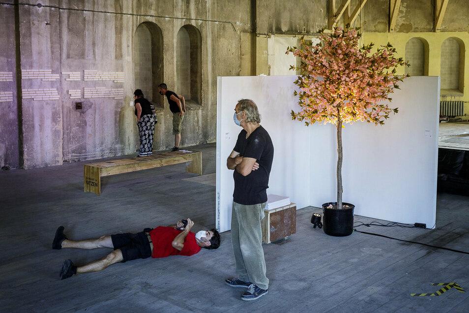 Schauen und entspannen: In der neuen Zukunftsvisionen-Ausstellung im Oktogon in der Görlitzer Lunitz kann man sich Gedanken machen und sich dabei wohlfühlen.