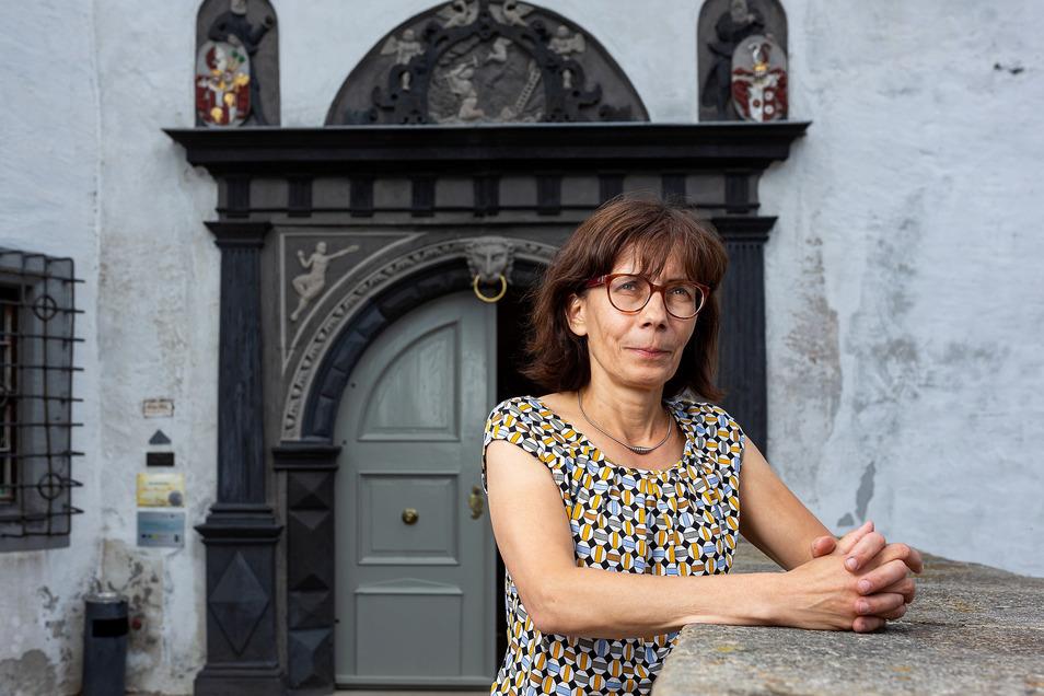 Noch in dieser Woche öffnet Gabriele Gelbrich das Tor zu ihrem Osterzgebirgsmuseum im Schloss Lauenstein.