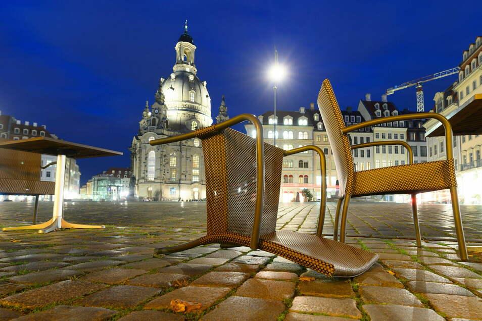 Dresden drohen Ausgangsbeschränkungen. Wann sie kommen, entscheidet eine Zahl, um die es bereits viel Verwirrung gab.