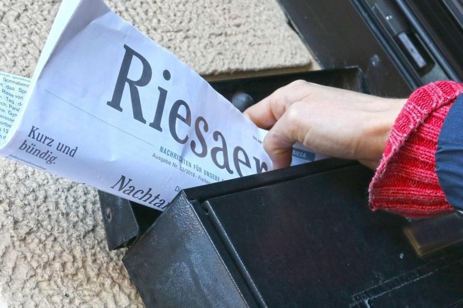 """Jeden Freitag im Briefkasten: der Riesaer. """"Das Amtsblatt ist keine unabhängige Zeitung"""", stellt das Landratsamt noch einmal klar. Es dürfe keine Konkurrenz zur Tagespresse sein."""