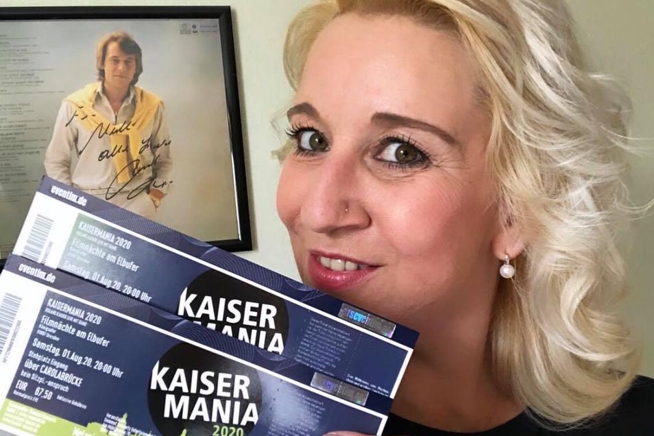 Auch die Dresdnerin Melanie Träger hat die Tickets für den 1. August 2020 erhalten - und wird sie nun bis nächstes Jahr behüten.