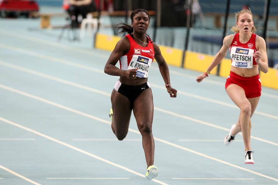 Bei den deutschen Hallenmeisterschaften 2020 in Leipzig sprintete Keshia Kwadwo (l.) - hier im Vorlauf vor Svenja Pfetsch - auf Rang fünf, direkt hinter ihrer Schwester Yasmin.