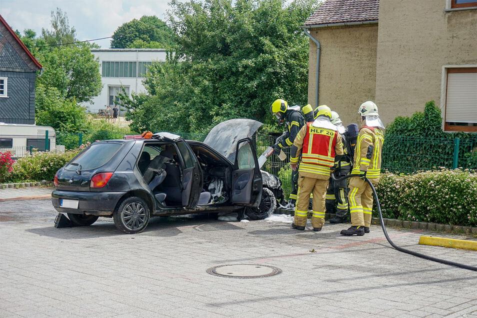 Nach etwa einer Stunde war der Einsatz laut der Feuerwehr Kirschau-Rodewitz beendet.