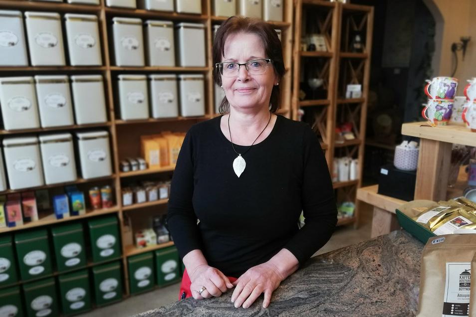 """Regine Büttner ist die Inhaberin des Geschäftes """"Görlitzer Faß"""" und Organisatorin der Görlitzer Naschallee."""