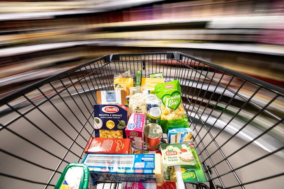 Die Mehrwertsteuersätze werden am 1. Juli gesenkt. Wird sich das bei den Kunden im Einkaufswagen bemerkbar machen?