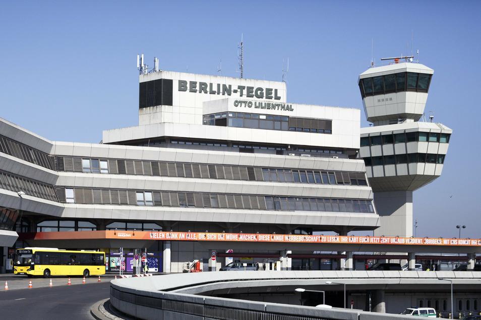"""Blick auf den Flughafen """"Otto Lilienthal"""" in Tegel."""