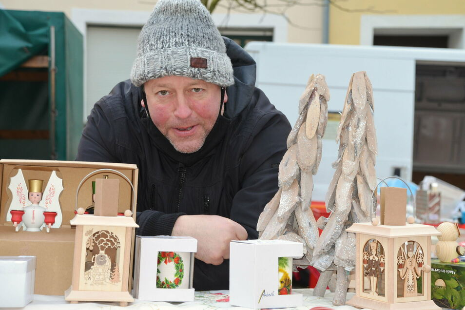 Sven Junger wird auf den Märkten der Region weiter seine Ostprodukte und 1.000 kleine Dinge mehr anbieten. Auch der Laden in Weißenberg bleibt.
