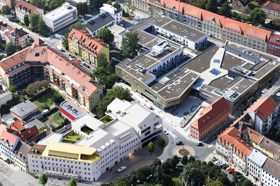 Von oben betrachtet: Der Hotelkomplex (weiß) soll sich vom Dohnaischen Platz bis zur Robert-Koch-Straße hinziehen.