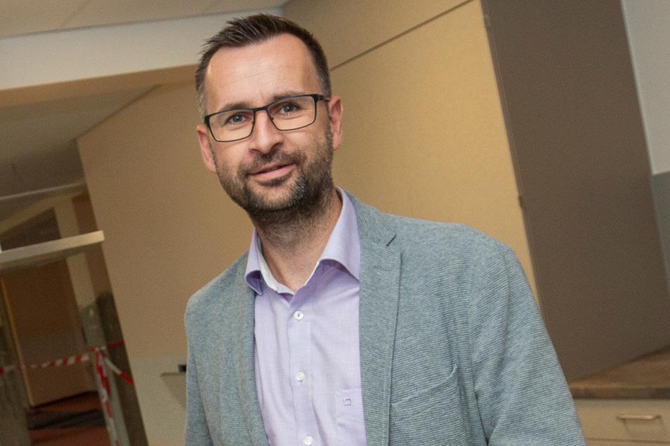 Alexander Penther, Geschäftsführer ASB Ortsverband Neustadt hat freies Personal umgesetzt und bietet einen Einkaufsnotservice an.