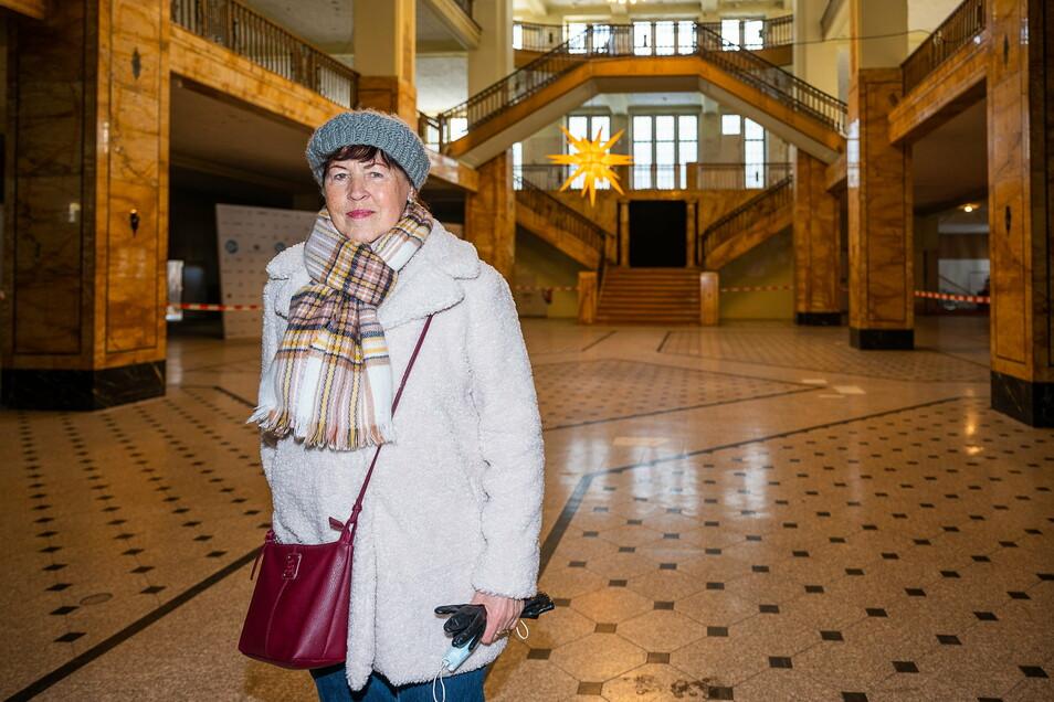 Erika Rohne war in den 1960ern Verkäuferin im Kaufhaus Görlitz. Jetzt wartet sie auf dessen Wiedereröffnung.