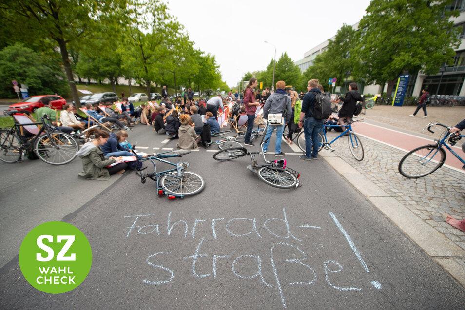Der künftige Zuschnitt des Zelleschen Wegs ist umstritten. Radfahrer protestierten am Mittwoch für einen fahrradgerechten Ausbau.