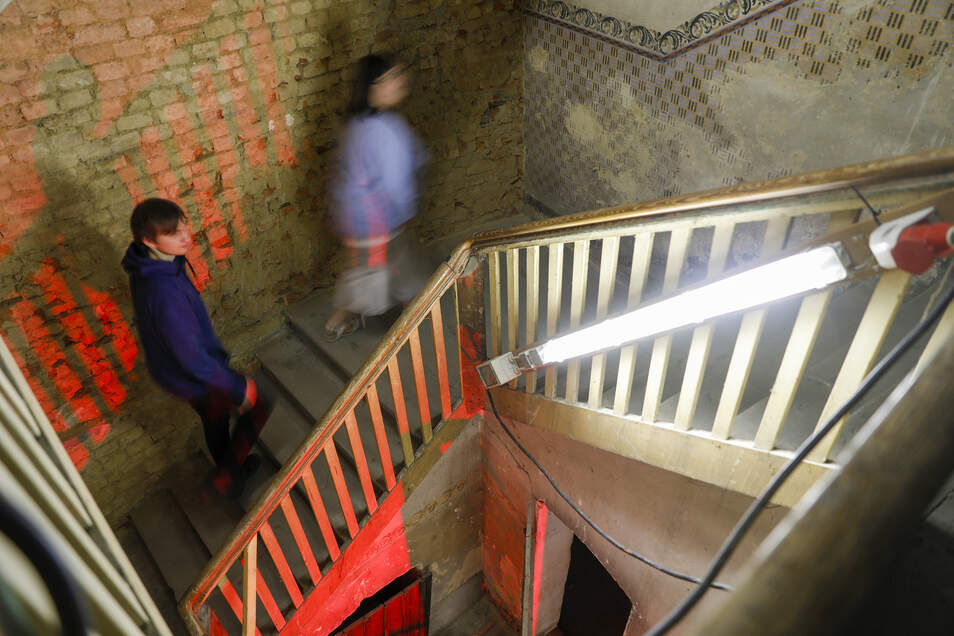 Blick in den Treppenaufgang des Geschäfts- und Wohnhauses an der Breitestraße 2