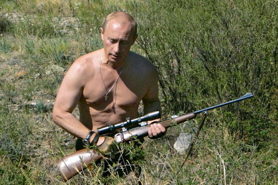 Putin zeigt sich der Öffentlichkeit gern als Naturbursche.