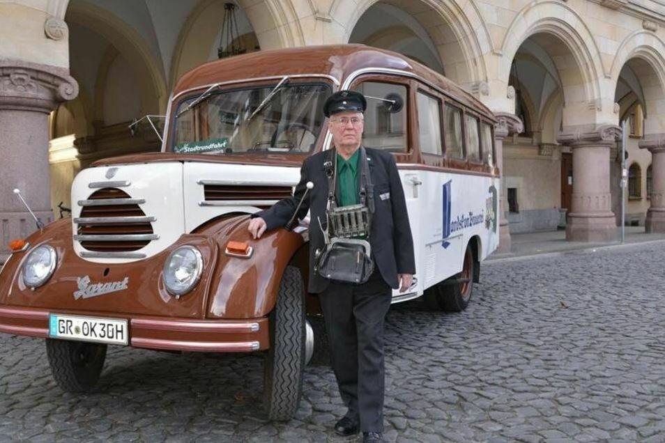Hans-Ulrich Koinzer und sein Oldtimer-Bus haben ihren Standplatz geräumt.